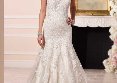 5904 – Size 16, Was $1531, Now $765.50